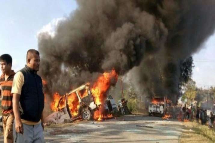 मराठा आरक्षण: महाराष्ट्र में हिंसा, 1 व्यक्ति ने आत्महत्या की- India TV