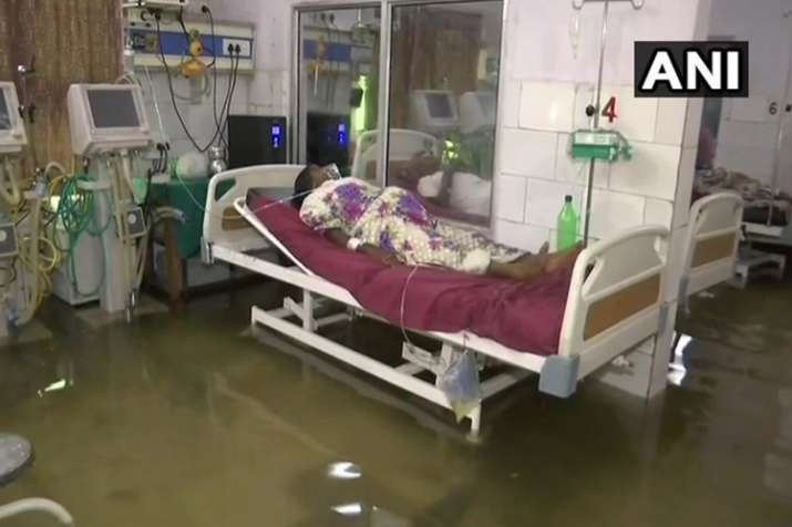 Fish seen in the water logged inside theICU of Nalanda...- India TV