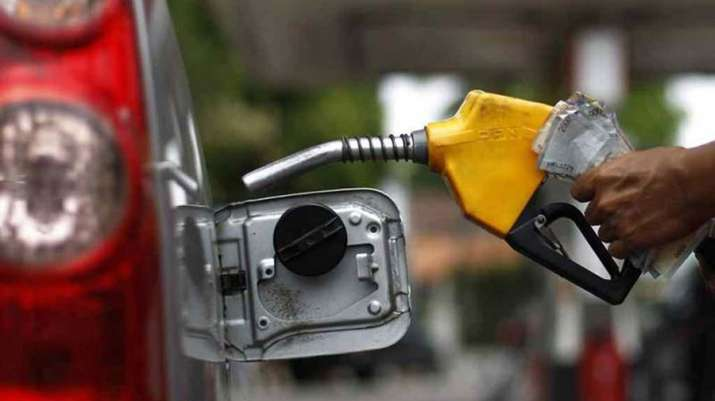 Petrol and Diesel price rose after 16 days on Monday- India TV Paisa