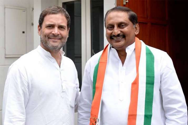 Former Andhra CM Kiran Reddy rejoins Congress after meeting Rahul Gandhi| Facebook- Khabar IndiaTV
