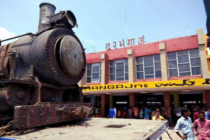 England-made 105-Year old steam rail engine that was...- India TV