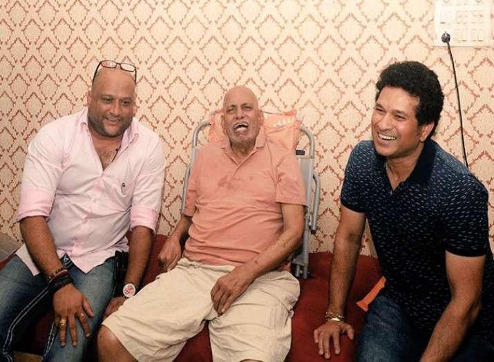 रमाकांत आचरेकर (बीच...- India TV