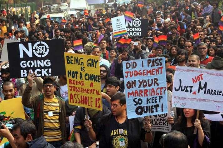 समलैंगिकता अपराध है या नहीं, सरकार ने सुप्रीम कोर्ट पर छोड़ा फैसला- India TV