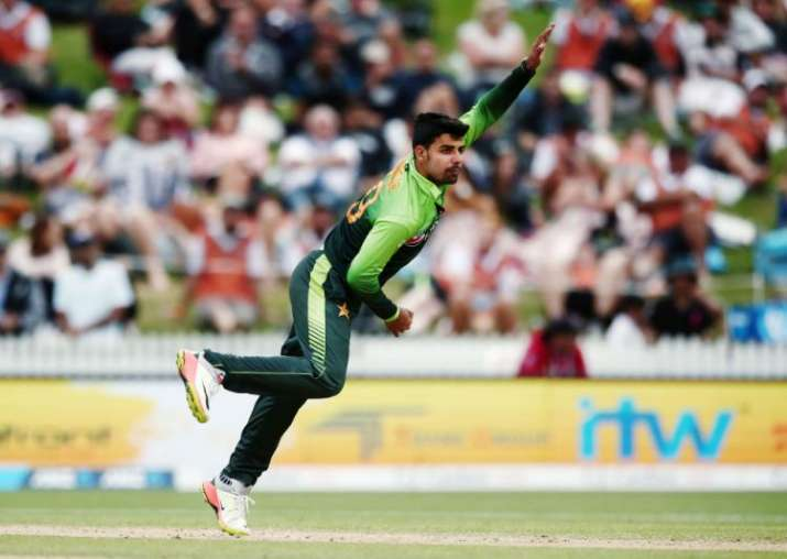 वर्ल्ड कप से पहले पाकिस्तान को लगा बड़ा झटका! इंग्लैंड दौर से बाहर हुए शादाब खान- India TV