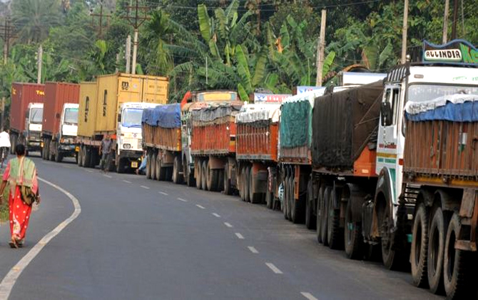 Truck Strike- India TV Paisa