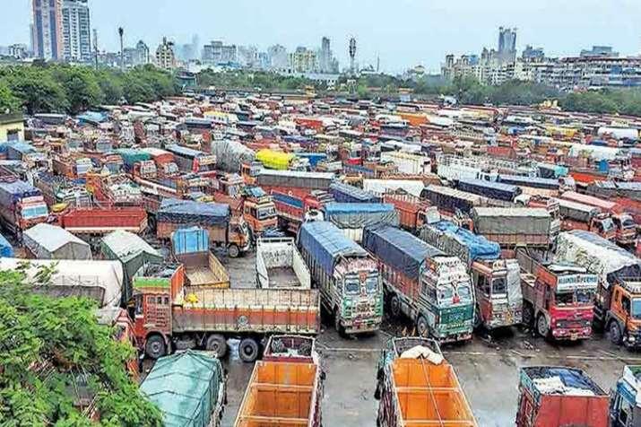 सरकार से बातचीत के बाद ट्रकों की हड़ताल समाप्त- India TV