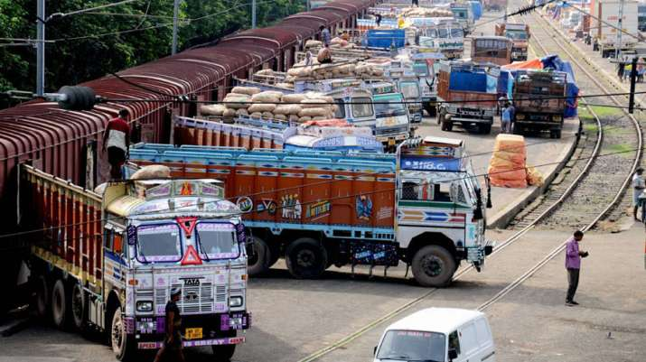 Prices of essential commodities remains stable despite Truckers Strike for 2 days- India TV Paisa