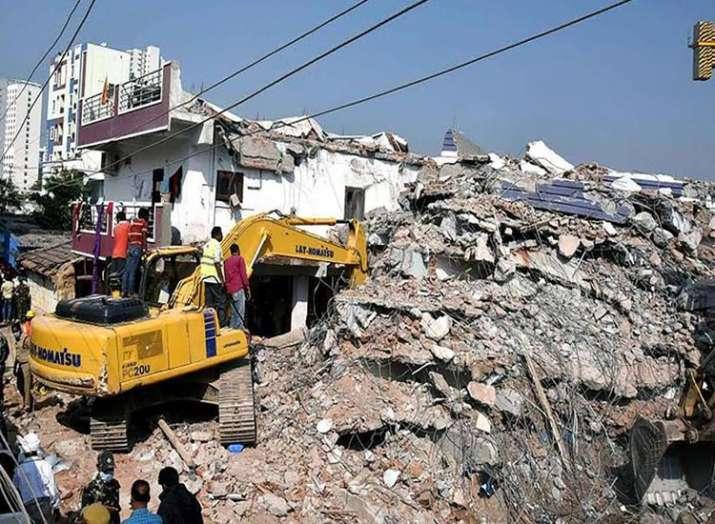 शाहबेरी गांव हादसा, ग्रेटर नोएडा, 114 अवैध इमारत- India TV