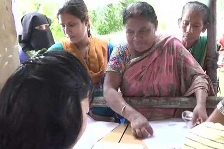 EXCLUSIVE | असम एनआरसी: परिवार में 2 भाई देसी तो 4 भाई 'विदेशी' कैसे?- India TV
