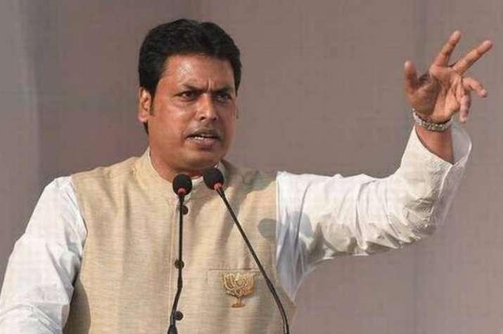 बिप्लब देव का अजीबोगरीब बयान, कहा-बत्तखों के तैरने से ऑक्सीजन बढ़ता है- India TV