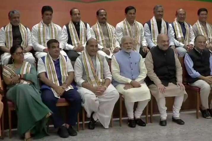 'मिशन 2019' पर शाह और 15 राज्यों के मुख्यमंत्रियों संग दिल्ली में PM मोदी का महामंथन- India TV