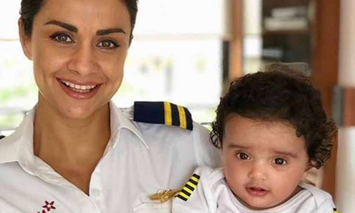 Gul Panag with son Nihal- India TV
