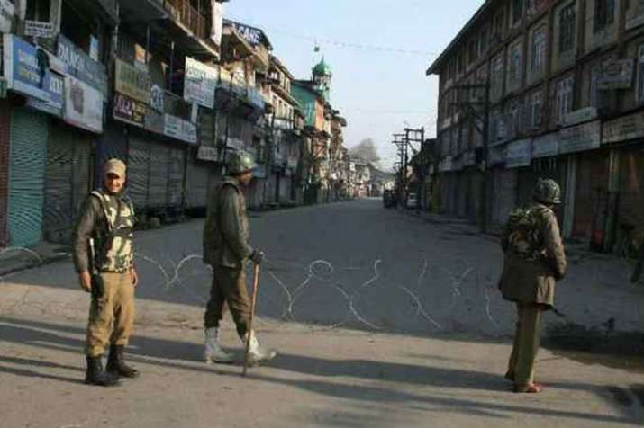 कश्मीर: अनुच्छेद 35ए को लेकर बंद से घाटी में जनजीवन प्रभावित- India TV