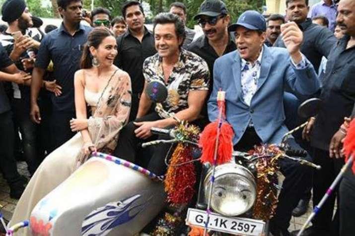 Kriti Kharbanda, Bobby Deol, Dharmendra- India TV