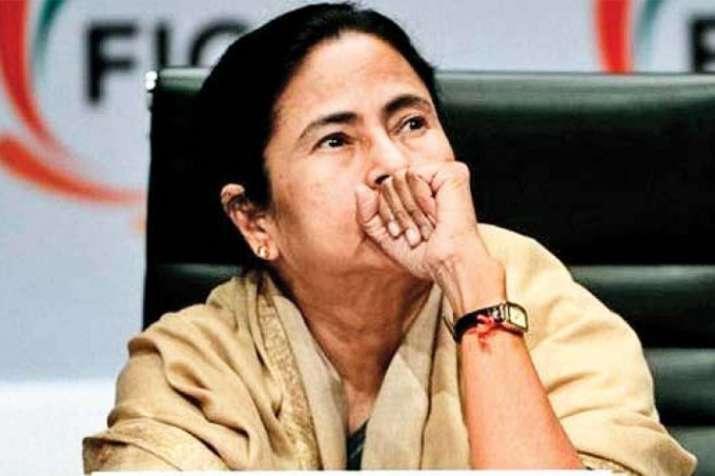 'दुर्व्यवहार और उत्पीड़न' के विरोध में तृणमूल कांग्रेस आज और कल मनाएगी काला दिवस- India TV