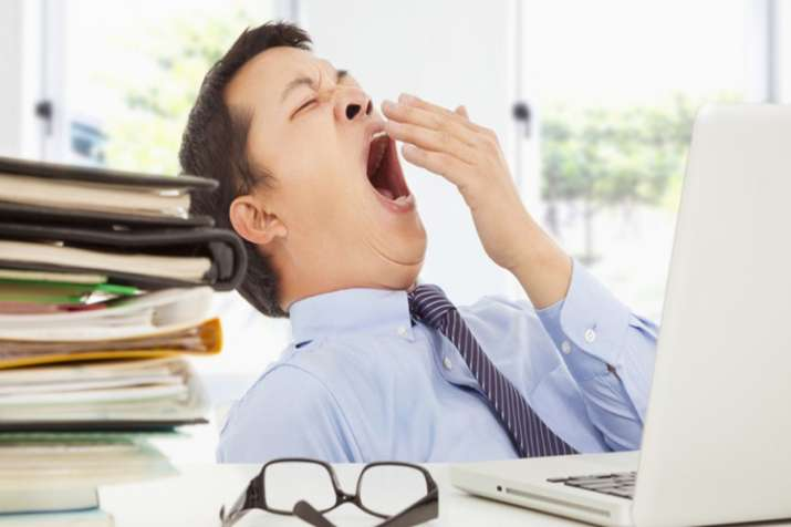 Why your eyes become teary when you yawn- India TV
