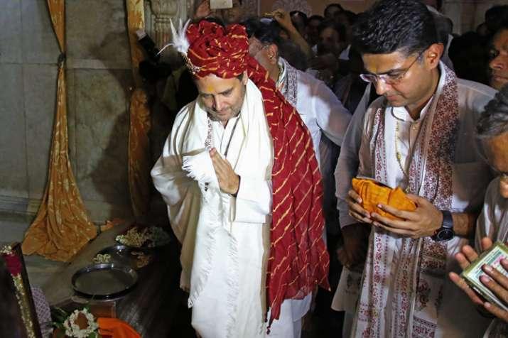 Congress President Rahul Gandhi offers prayers at the...- Khabar IndiaTV