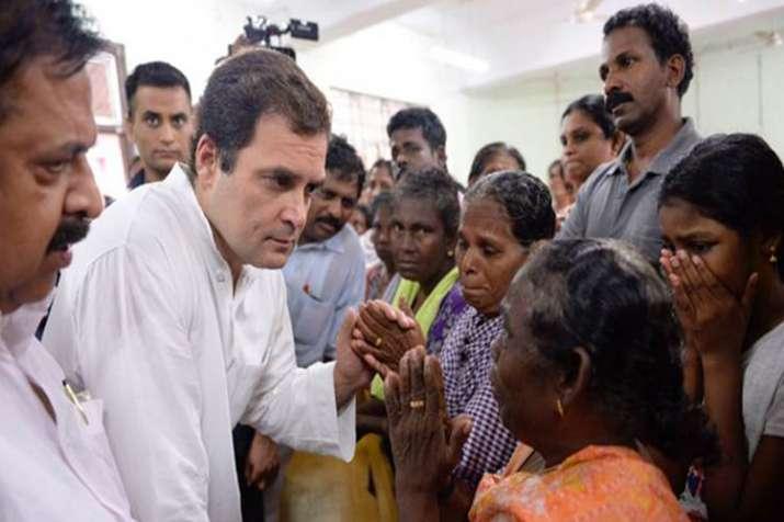 राहुल गांधी ने केरल में बाढ़ राहत शिविरों का दौरा किया- India TV