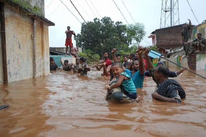 सात राज्यों में मानसूनी बारिश, बाढ़ में 774 लोगों की मौत- Khabar IndiaTV