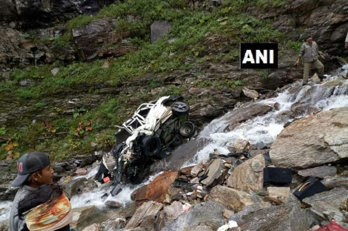 Himachal Pradesh: 11 people killed after a car rolled...- India TV