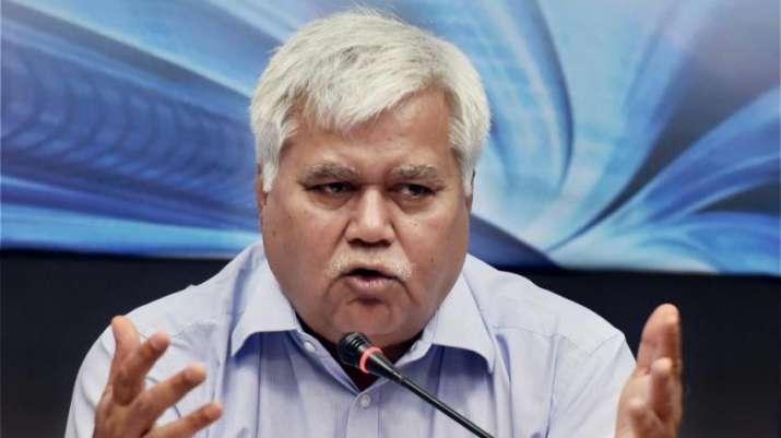 Disclosure of Aadhaar number doesn't increase digital vulnerability says TRAI Chief- India TV Paisa