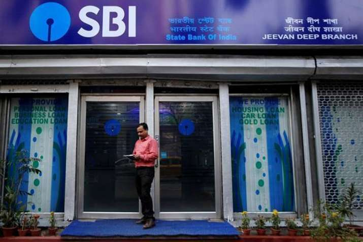 SBI reports net loss of Rs 4876 in June quarter- India TV Paisa
