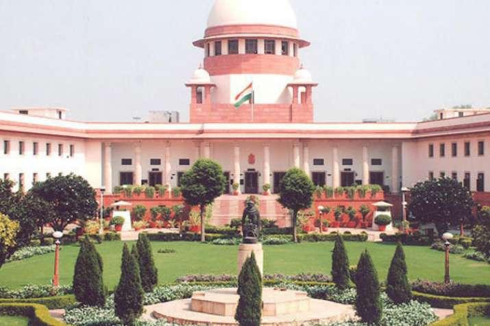 अनुच्छेद 35ए मामले में सुप्रीम कोर्ट में आज अहम सुनवाई, जम्मू-कश्मीर सरकार ने की सुनवाई स्थगित करने - India TV