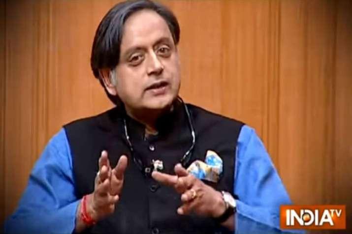 मैं छोटी उम्र से ही विवेकानंद का भक्त हूं, हिन्दू और हिन्दुत्व का मतलब समझता हूं: आप की अदालत में शश- India TV