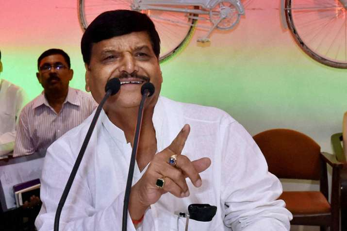 अनदेखी झेल रहे शिवपाल यादव ने बनाया समाजवादी सेक्युलर मोर्चा, छोड़ेंगे समाजवादी पार्टी का साथ- India TV