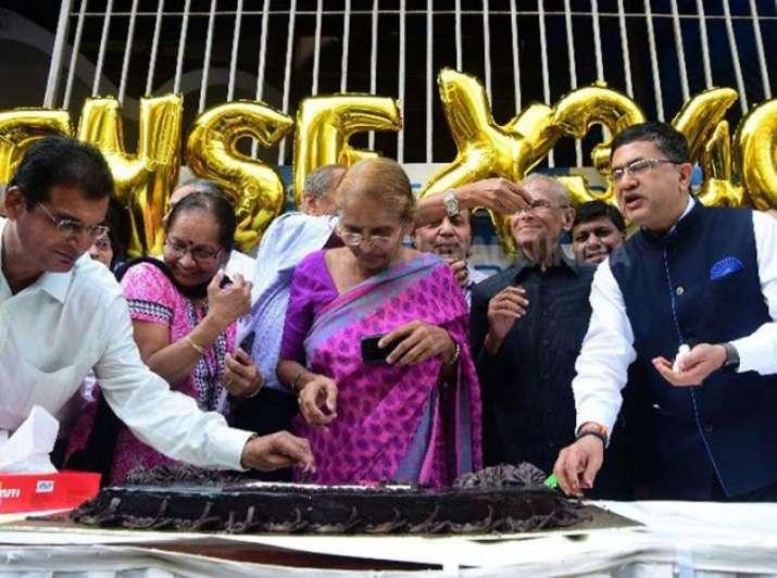Bank shares put Sensex and Nifty on new high on Monday- India TV Paisa