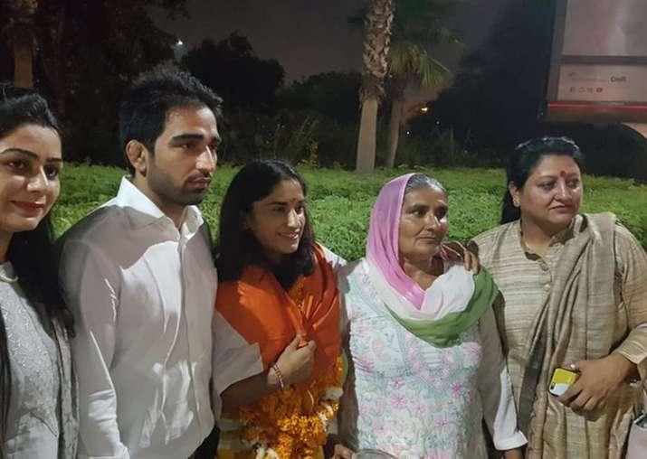 सोमवीर के साथ 13 दिसंबर को परिणय सूत्र में बंधेगी विनेश - India TV