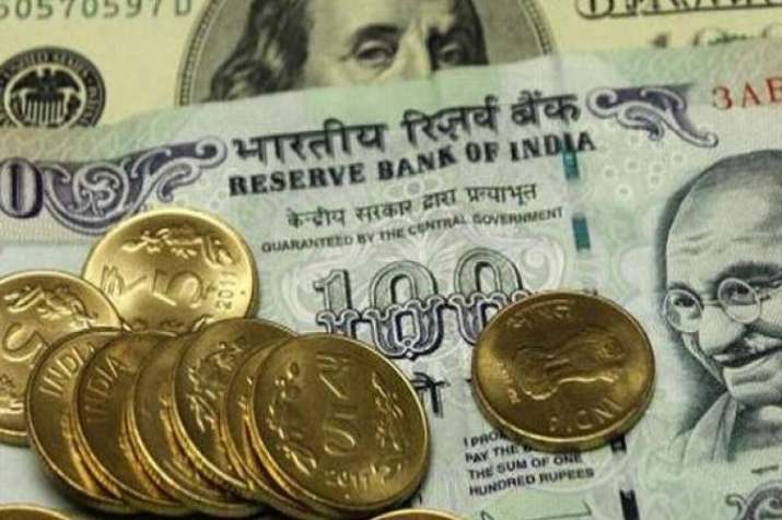 Rupee falls more than 45 paisa to below 72.65 per Dollar on Monday- India TV Paisa