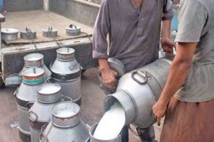 उत्तर प्रदेश में त्योहार पूर्व खाद्य पदार्थों में मिलावट करने वालों के खिलाफ विशेष अभियान- India TV