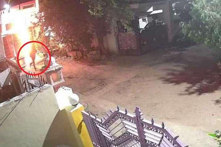 भाजपा सांसद की भतीजी...- India TV