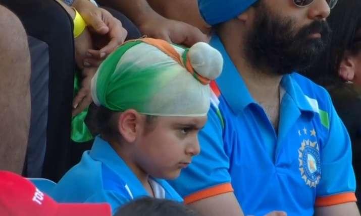एशिया कप के फाइनल में छा गया भारतीय टीम का फैन ये नन्हा सरदार- India TV