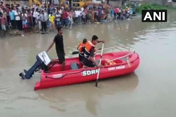 Assam: A boat capsized in Brahmaputra river in North...- India TV