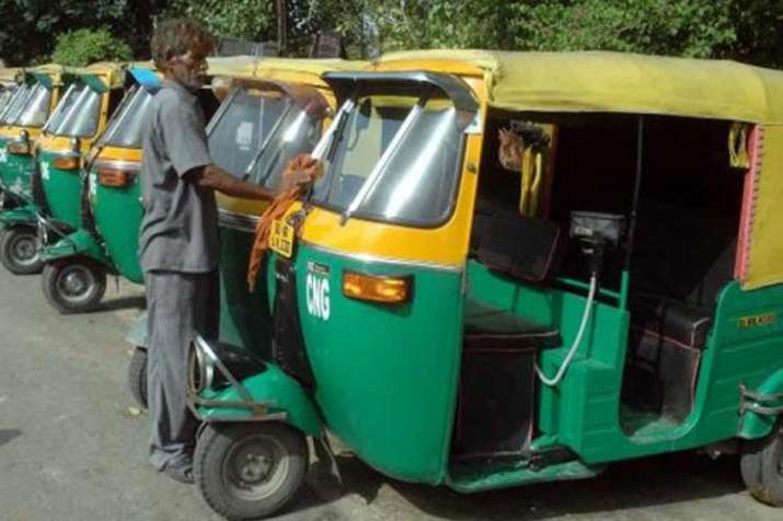 Government moving towards no permit regime for auto rickshaws powered by alternate fuel- India TV Paisa
