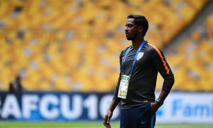 इंडोनेशियाई पत्रकारों ने भारत की जीत पर कोच बिबियानो के लिए खड़े होकर बजाईं तालियां- India TV