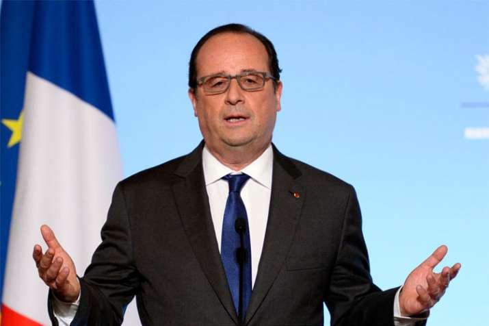 Unaware of pressure on Reliance and Dassault to work together, says Francois Hollande   AP File- India TV