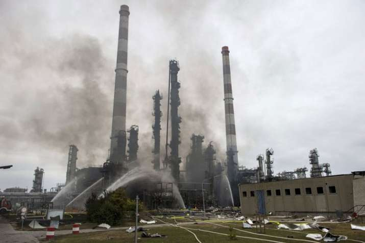 Eight people injured after Germany oil refinery explosion, says police | AP- India TV