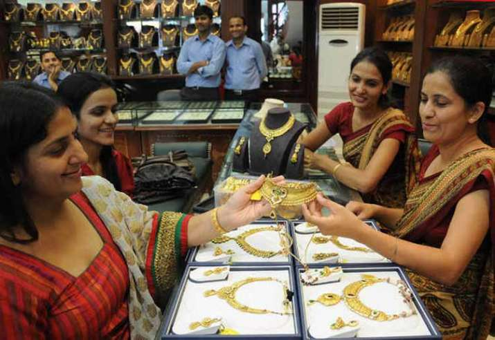gold shopping- IndiaTV Paisa
