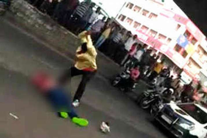 Murder accused axed to death in broad daylight in Hyderabad- India TV