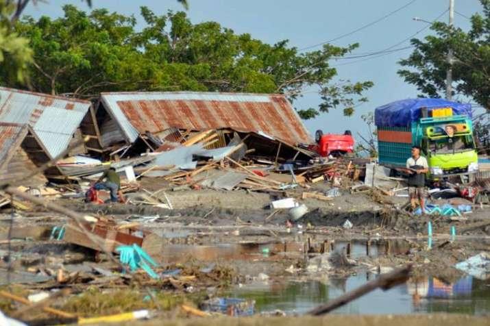 Indonesia earthquake, tsunami death toll crosses 800, hundreds more injured | AP- India TV