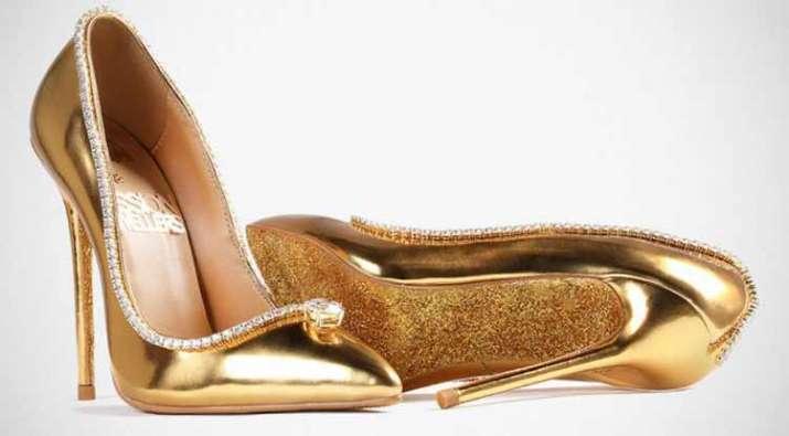 expensive shoes- India TV Paisa