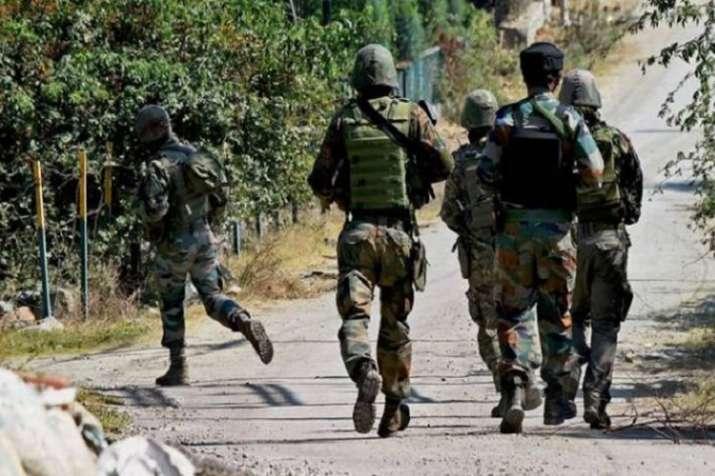 जम्मू-कश्मीर: अनंतनाग में एक आतंकी ढेर, हथियार छीनने की कर रहा था कोशिश- India TV
