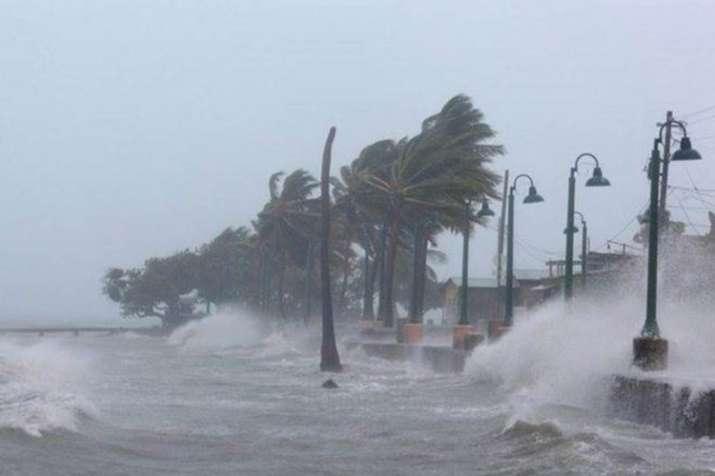 चक्रवाती तूफान डाए से तबाही, शहर-शहर हाईअलर्ट; ओडिशा-आंध्र के कई इलाकों में भारी बारिश- India TV