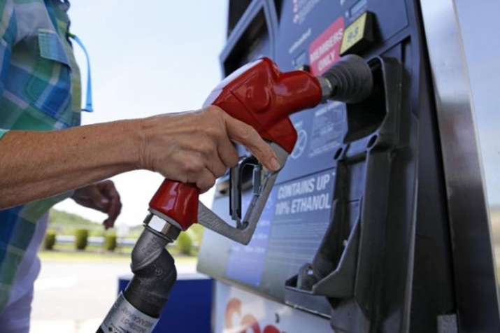 Petrol and Diesel prices can rise further as crude oil rose to fresh 4 years high level- India TV Paisa