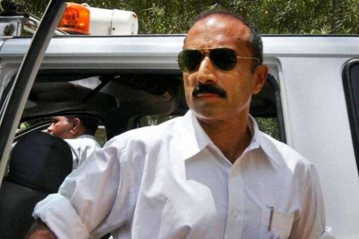 गुजरात के पूर्व आईपीएस अधिकारी संजीव भट्ट 22 साल पुराने मामले में हिरासत में- India TV