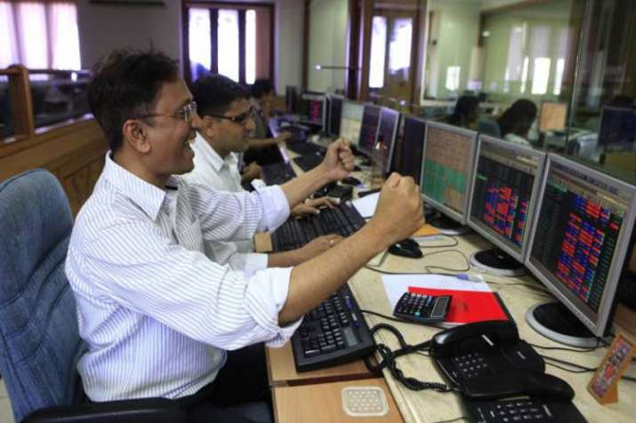 Sensex gains 305 points as Rupee recovers against Dollar on Wednesday- India TV Paisa