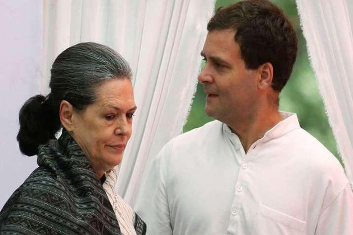 सोनिया गांधी और...- India TV